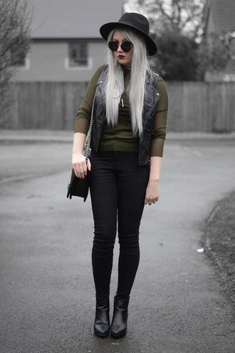 sammi jackson blogger sunglasses jacket top jeans bag shoes felt hat spring outfits ankle boots skinny jeans shoulder bag vest