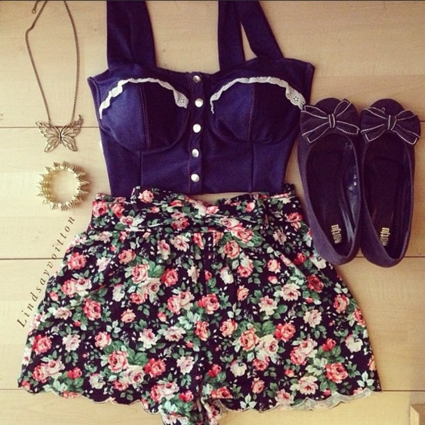 8a7fe35e72 shirt bustier lace corset bralette bralette hipsterg girly beach summer  floral vintage shorts