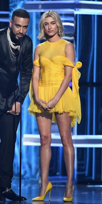 dress yellow yellow dress pumps hailey baldwin mini dress party dress billboard music awards monochrome outfit model off-duty shoes