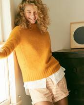 sweater,yellow sweater
