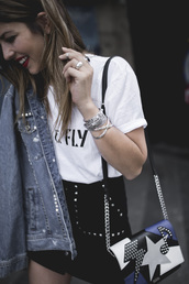 jewels,tumblr,printed bag,jewelry,silver jewelry,bracelets,silver bracelet,t-shirt,white t-shirt,skirt,mini skirt,bag,jacket,denim jacket,denim,ring,silver ring