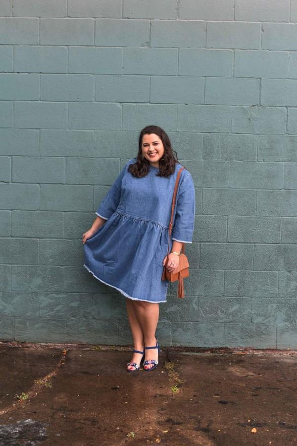 2a7190f30733 somethinggoldsomethingblue blogger dress shoes bag jewels plus size dress  plus size denim dress sandals shoulder bag.