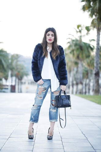 dulceida blogger coat blouse jeans bag shoes boyfriend jeans