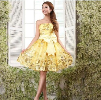 dress yellow yellow and gold gold shiny pretty cute prom short short dress prom dress bow bow dress lovely belle yellow dress homecoming dress