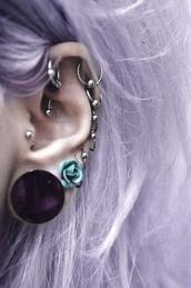 jewels,earrings,silver earrings,silver earring with ball,hoop earrings,small hoop earring,hoop