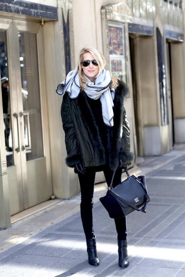 ef85d09d7338 krystal schlegel blogger scarf black bag leather jacket black boots gloves  jeans jacket shoes sunglasses.