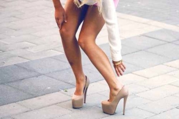 Shoes: tan, high heels - Wheretoget