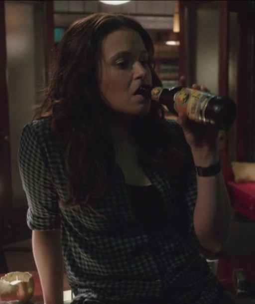 shirt scandal plaid quinn perkins katie lowes