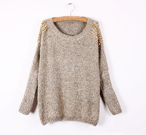 Round neck rivet on shoulder fashion sweater