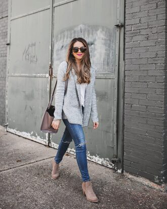 the teacher diva blogger shoes cardigan bag t-shirt shirt grey coat winter outfits ankle boots
