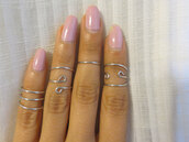 jewels,trendy fashion,knuckle ring,silver midi rings,above the knuckle ring,ring in the middle finger,fashion jewelry