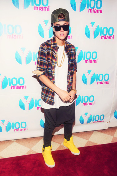 shoes yellow shoes yellow justin bieber shirt striped shirt pants