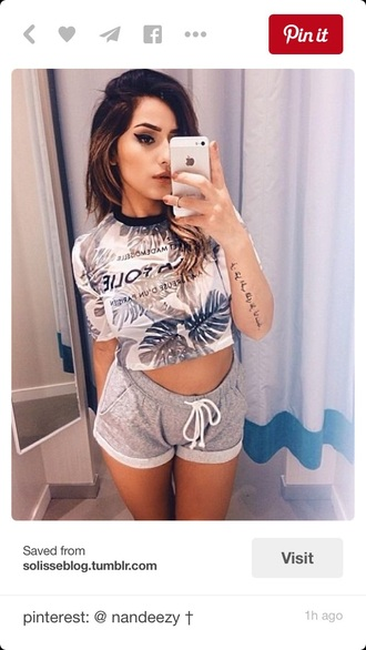 shorts grey sweatpants summer shorts summer top t-shirt shirt style outfit nice summer outfit perfect summer outfit summer outfits tropical crop tops crop top
