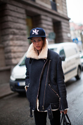 jacket,perfecto,white fur,coat,shearling jacket,style,streetstyle