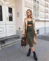 skirt,midi skirt,pencil skirt,boots,handbag,crop tops,coat,trench coat