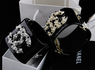 jewels bracelets cuff bracelet chanel cc logo chanel brand chanel bracelet