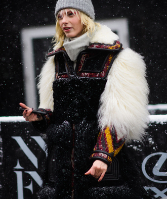 coat tumblr fur coat big fur coat beanie grey beanie nyfw 2017 fashion week 2017 fashion week streetstyle winter outfits winter coat winter look