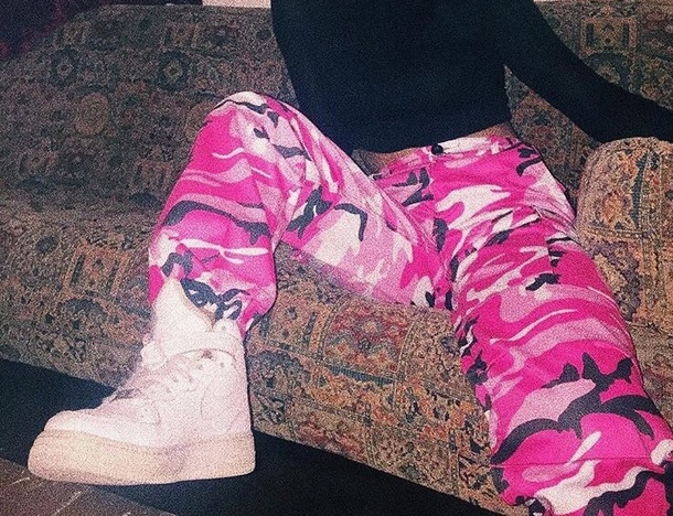 pants camouflage pink