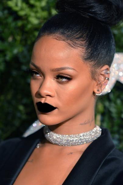 november earrings celebrity look trend statement wearing alert rihanna pictures