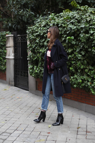 lady addict blogger jeans sweater ysl bag ankle boots coat