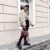 bag,brown bag,black leggings,black beanie,black boots,faux fur,fur jacket,streetstyle