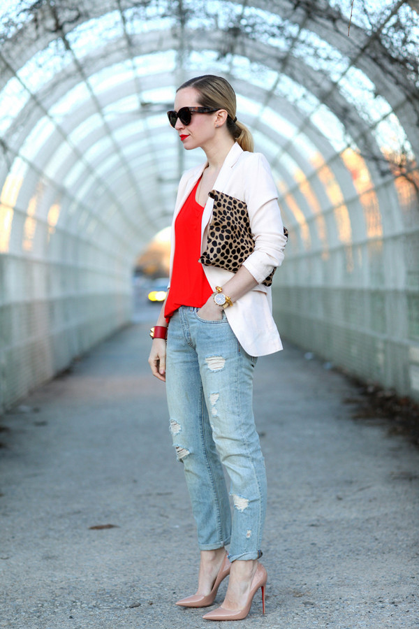 brooklyn blonde t-shirt jacket jeans shoes jewels bag