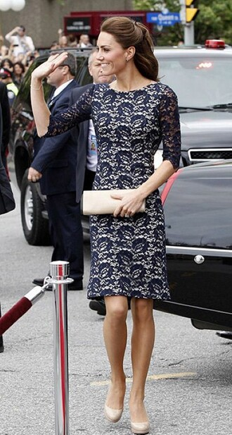 dress queen baghand bag hand hair brown blue short car celebrity style celebrity prom dress christmas kate middleton
