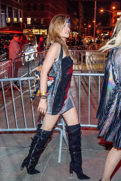 shoes lighting dress dress met gala afterparty 2018 paris jackson boots suede boots mini dress one shoulder dress balmain