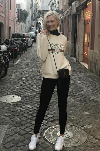 sweater sweatshirt leggings streetstyle milan fashion week 2017 karlie kloss fall outfits model off-duty