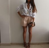 style by nelli,blogger,shirt,shorts,jewels