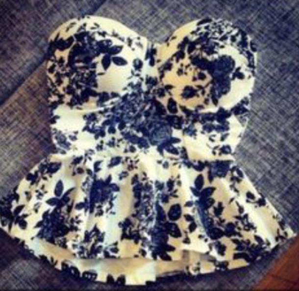 shirt peplum peplum top top floral b&w black white flowers blouse strapless blue floral pattern cute chic blue shirt bustier floral bustier ruffle strapless top strapless peplum top swimwear floral corset corset top bodice