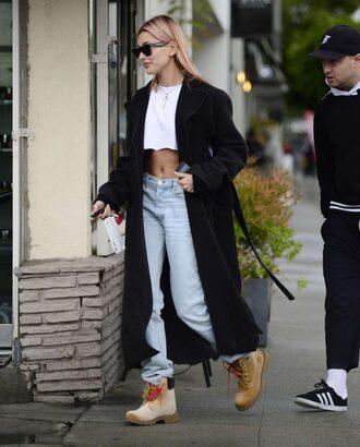 jeans coat crop tops model off-duty streetstyle hailey baldwin