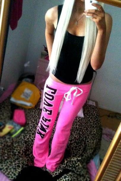pants pink sweater