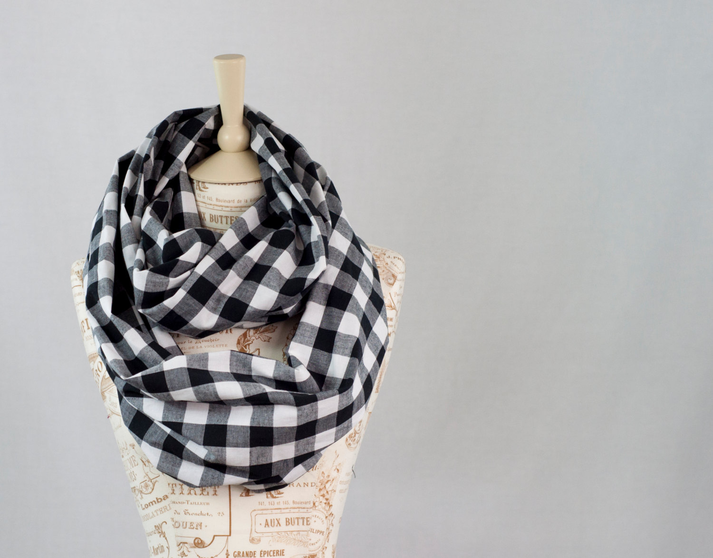 Infinity scarf fashion trend