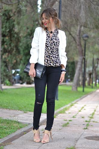 mi aventura con la moda blogger blouse peep toe heels white jacket leopard print pouch crocodile black ripped jeans