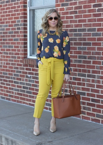 stylin in st. louis blogger top pants bag sunglasses shoes floral top tote bag yellow pants spring outfits
