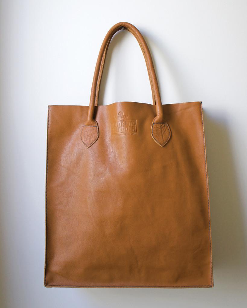 e0e79b807c36 Gobi Shopper Tote Bag in Caramel