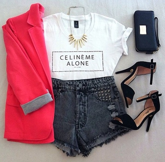 coat bag shoes shorts t-shirt jewels