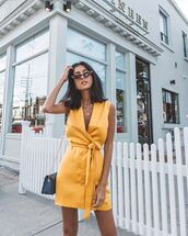 dress,yellow dress,short  dress,summer,sunglasses