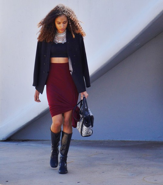 clothes to homme blogger bag bodycon skirt burgundy skirt silver necklace statement necklace black crop top pea coat