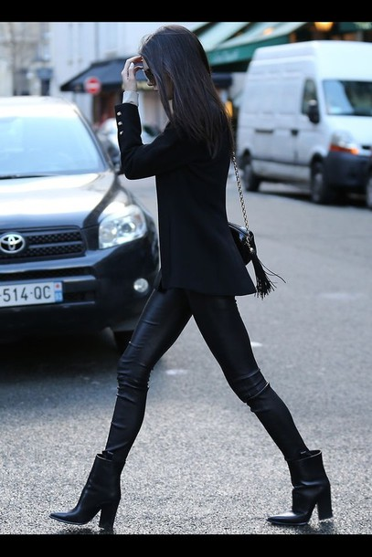 pants leather tights leggings festival high waisted shoes black kendall jenner ankle boots keeping up with the kardashians kendall and kylie jenner boots jacket fringed bag