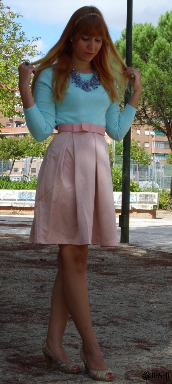 Charming Pleaded Knee-Length Skirt - OASAP.com