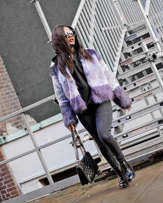 jacket tumblr fur jacket lilac denim jeans black jeans skinny jeans boots black boots biker boots bag black bag sunglasses