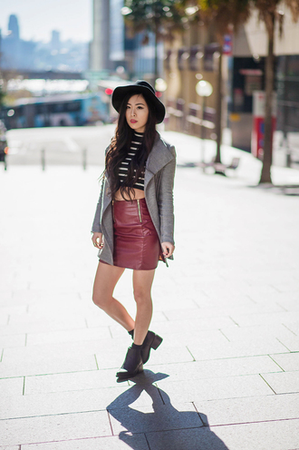 metallic paws blogger hat top coat shoes skirt zipped skirt
