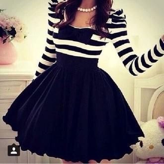 dress black white stripes bow long sleeves black and white dress bow back dress