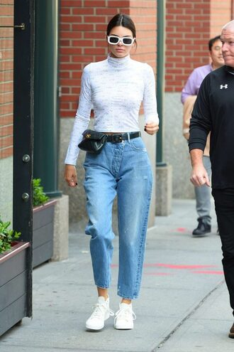 sunglasses streetstyle model off-duty kendall jenner sneakers mom jeans kardashians top shoes