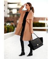 stylista,blogger,coat,camel coat,crocodile,sweater,pants,shoes,bag