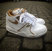 shoes,sneakers,sneakers addict,shoes addict,nike,nike air,brown,camel,brun,flight,air flight,nike air flight,nike air jordan flight,jordan flight,jordan,white,blanc