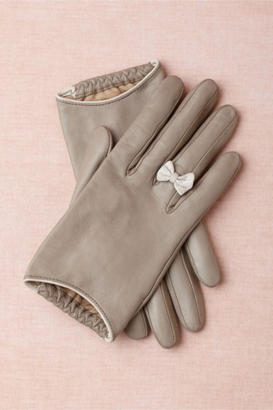 gloves grey gloves hat bows