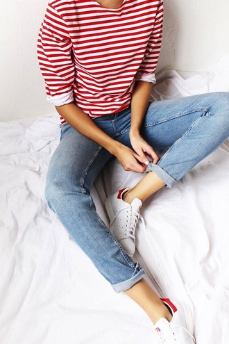 le fashion image blogger long sleeves stripes striped top cropped jeans skinny jeans white sneakers